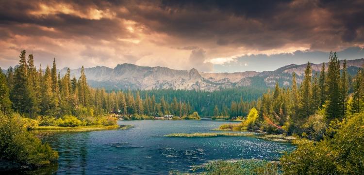landscape-mountains-nature-clouds
